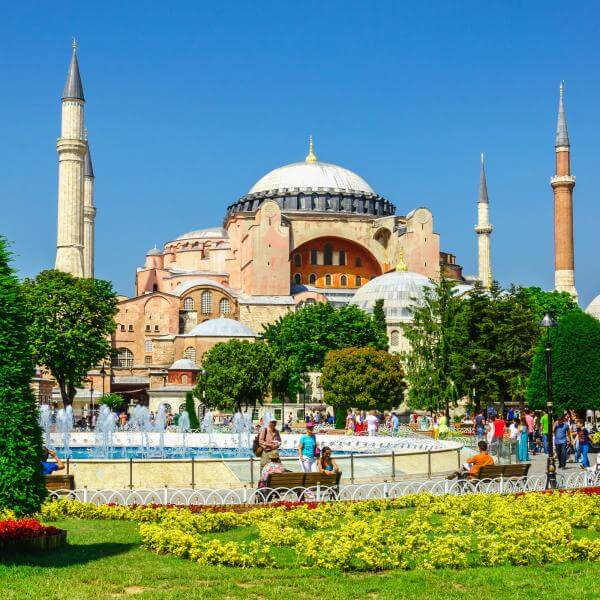Small Group Tour : Hipodromme, Blue Mosque, Topkapi Palace, St. Sophia, Grand Bazaar